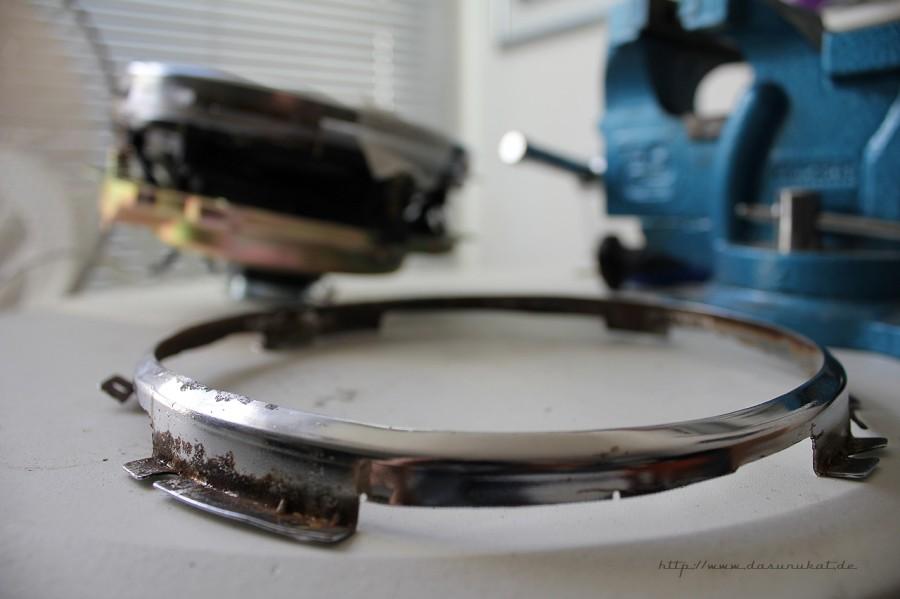 Rover Mini Xn - Chromgring für Klarglasscheinwerfer geflext.