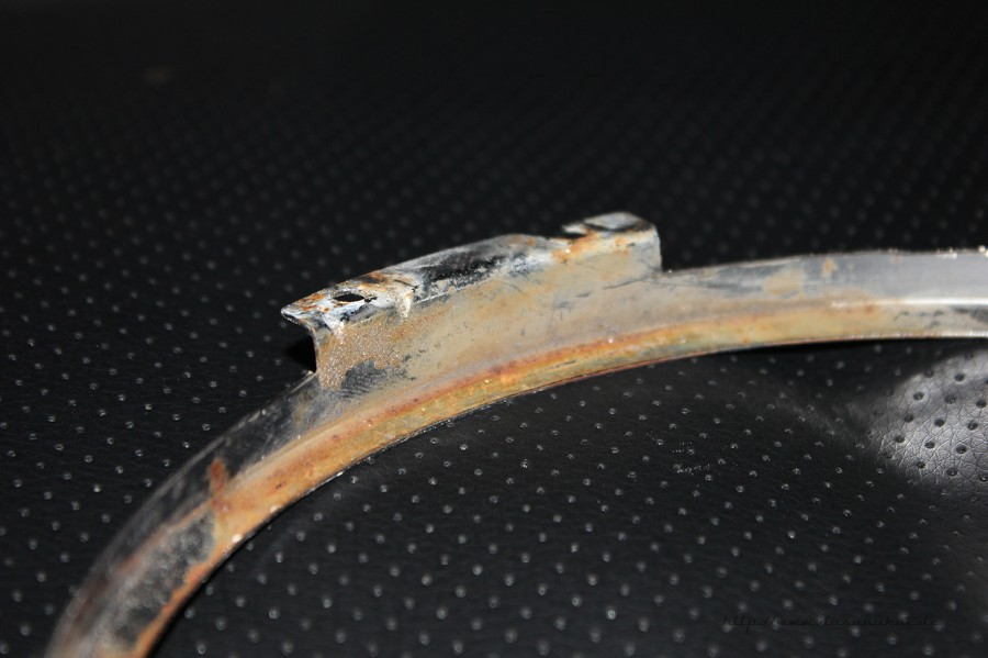 Rover Mini Xn - rostiger innerer Chromring für Scheinwerfer