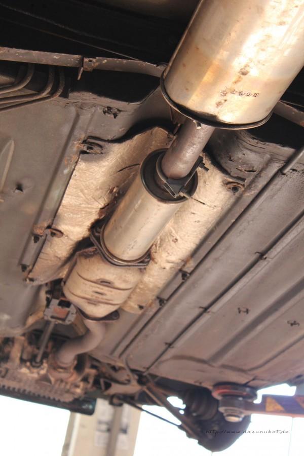 Rover Mini Xn - von unten Batteriekabel rechts geführt