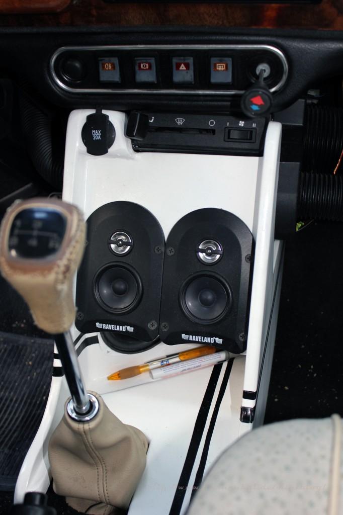 Die fertig verbaute Mittelkonsole im Mini